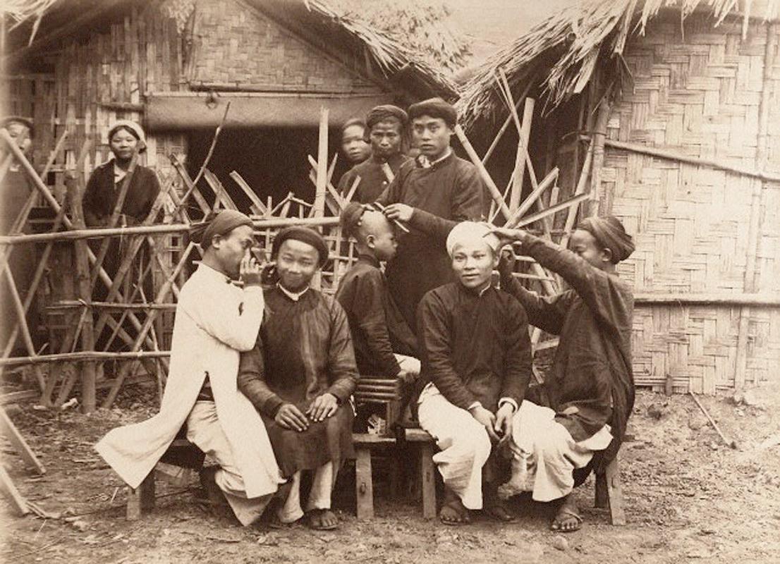 Chùm ảnh: Nghề lấy ráy tai dạo ở Việt Nam thời thuộc địa
