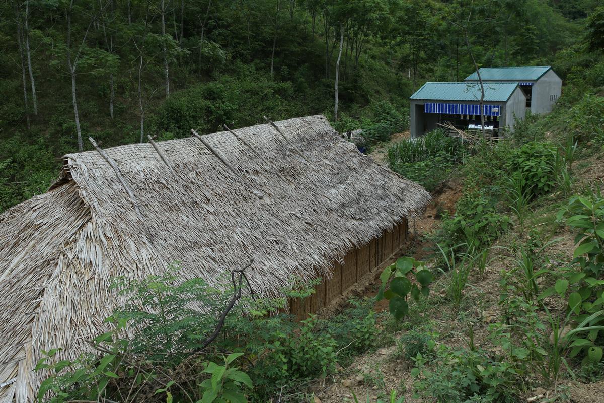 Từ chuyện 'nhà dân không bằng cái chuồng bò' ở Nghệ An