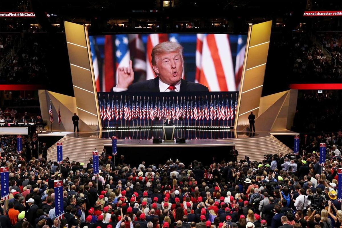 Tổng thống Trump đã bẻ lái 40 năm bảo thủ của đảng Cộng hòa ra sao?