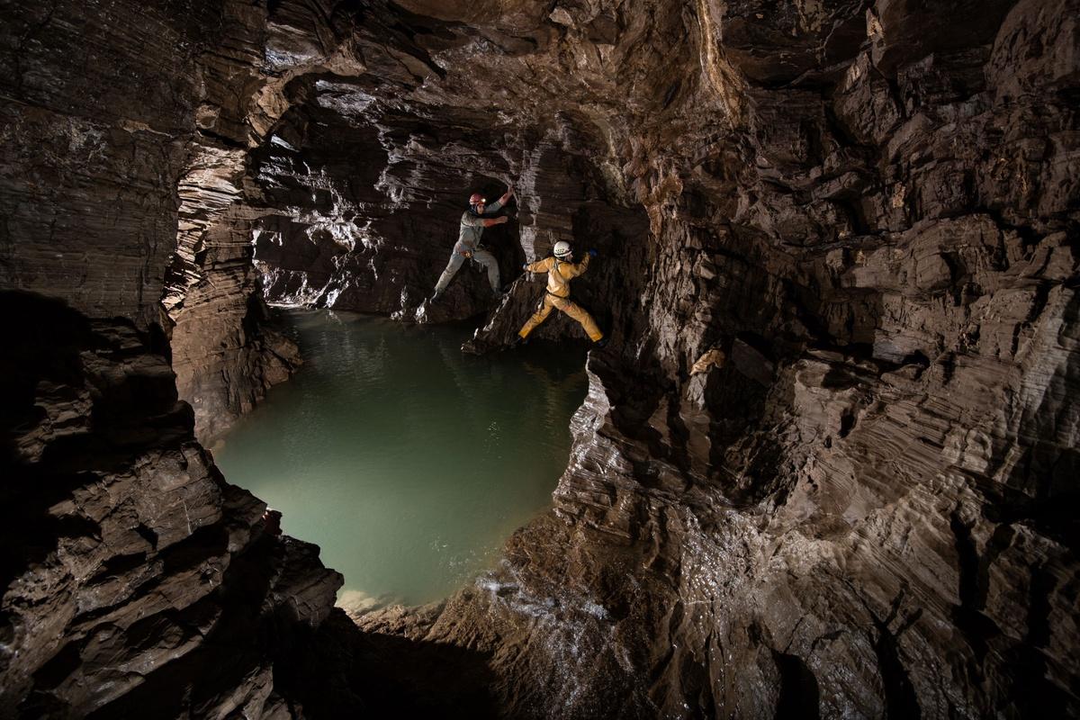 Chùm ảnh: Khám phá Krubera – hang động sâu nhất thế giới