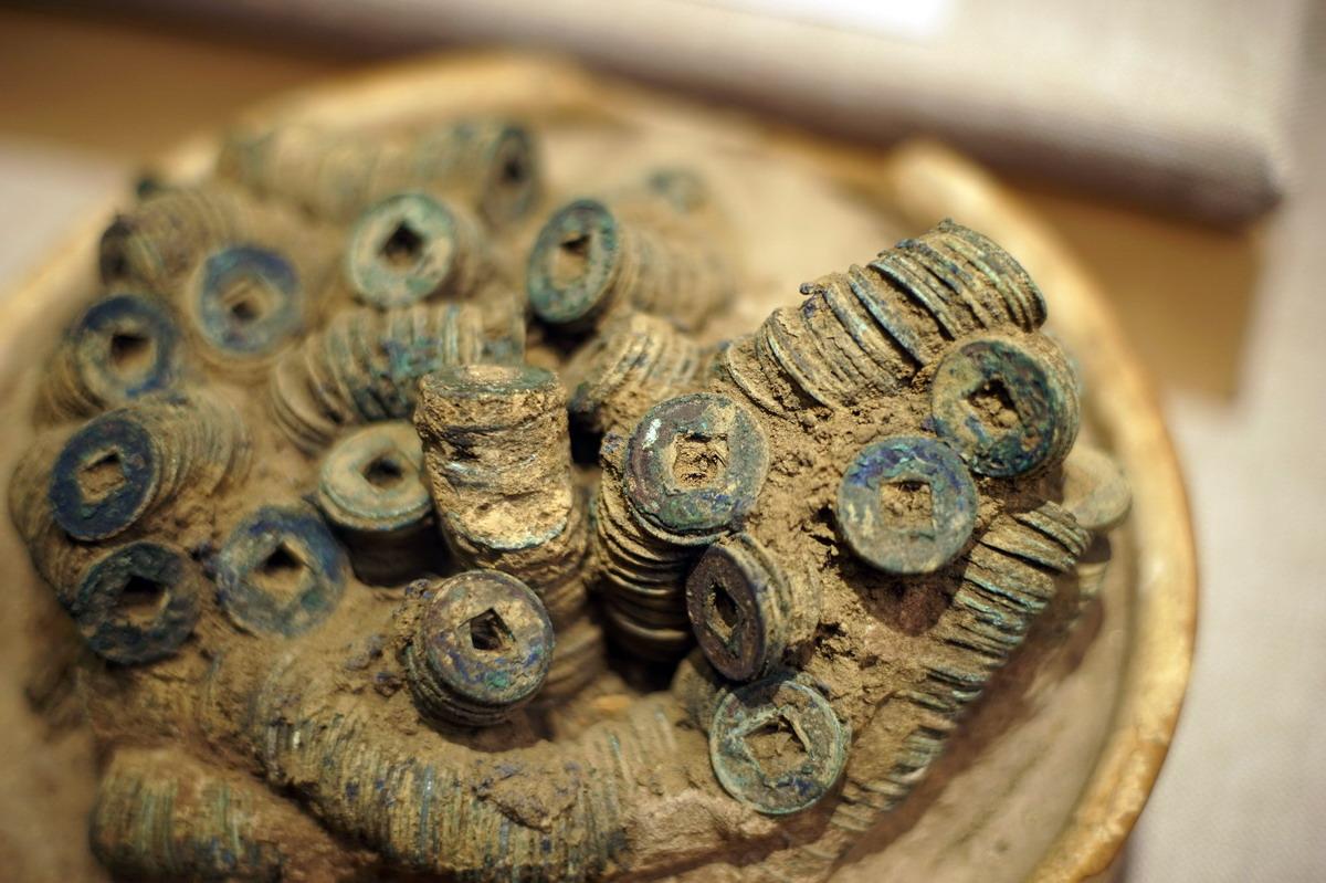 Chùm ảnh: Kho báu trong mộ cổ 2.000 năm ở Bắc Ninh