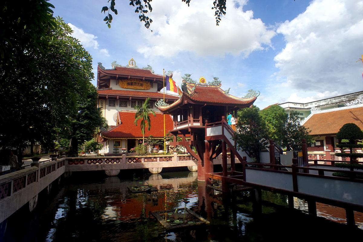 Chùm ảnh: Nam Thiên Nhất Trụ – ngôi chùa Một Cột nổi tiếng trởi Nam