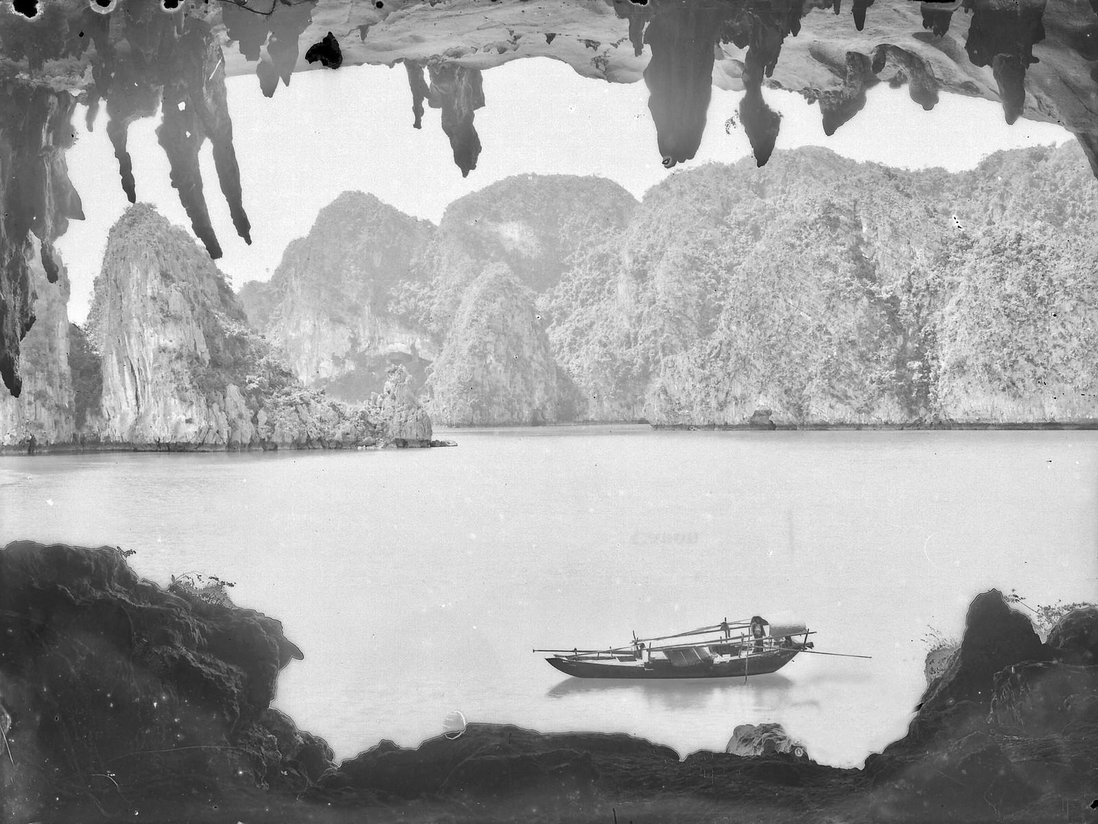 Chùm ảnh: Vẻ đẹp nguyên sơ của vịnh Hạ Long thập niên 1920