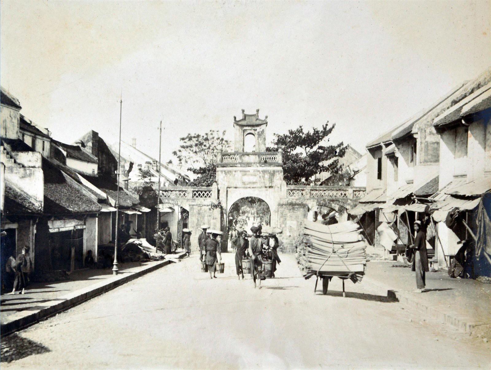 Hà Nội những năm 1890-1895 qua ống kính của Raphaël Moreau