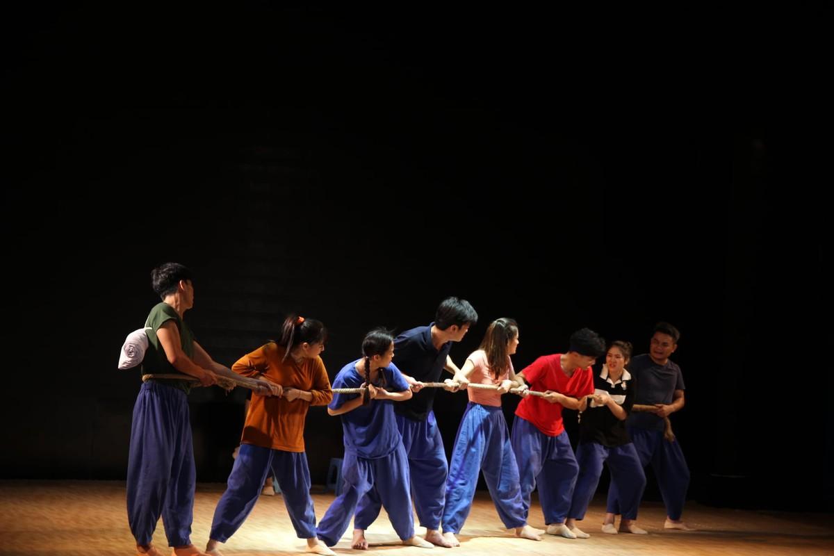 Nhìn nhận bản sắc văn hóa trong sân khấu kịch Việt Nam