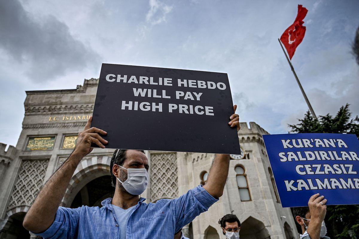 Giới hạn của tự do biểu đạt – phân tích pháp lý từ vụ Charlie Hebdo