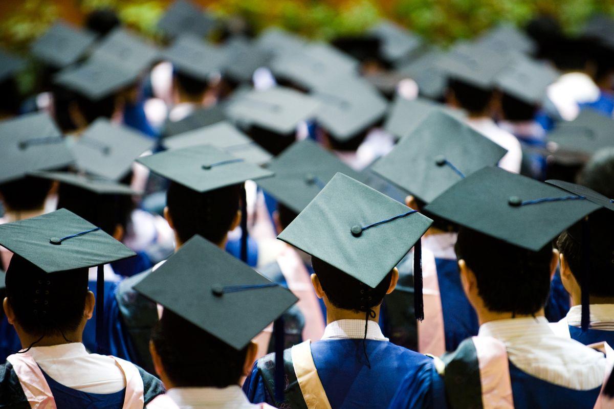 Vì danh dự dòng tộc, con phải thi đỗ đại học, phải làm 'quan'!