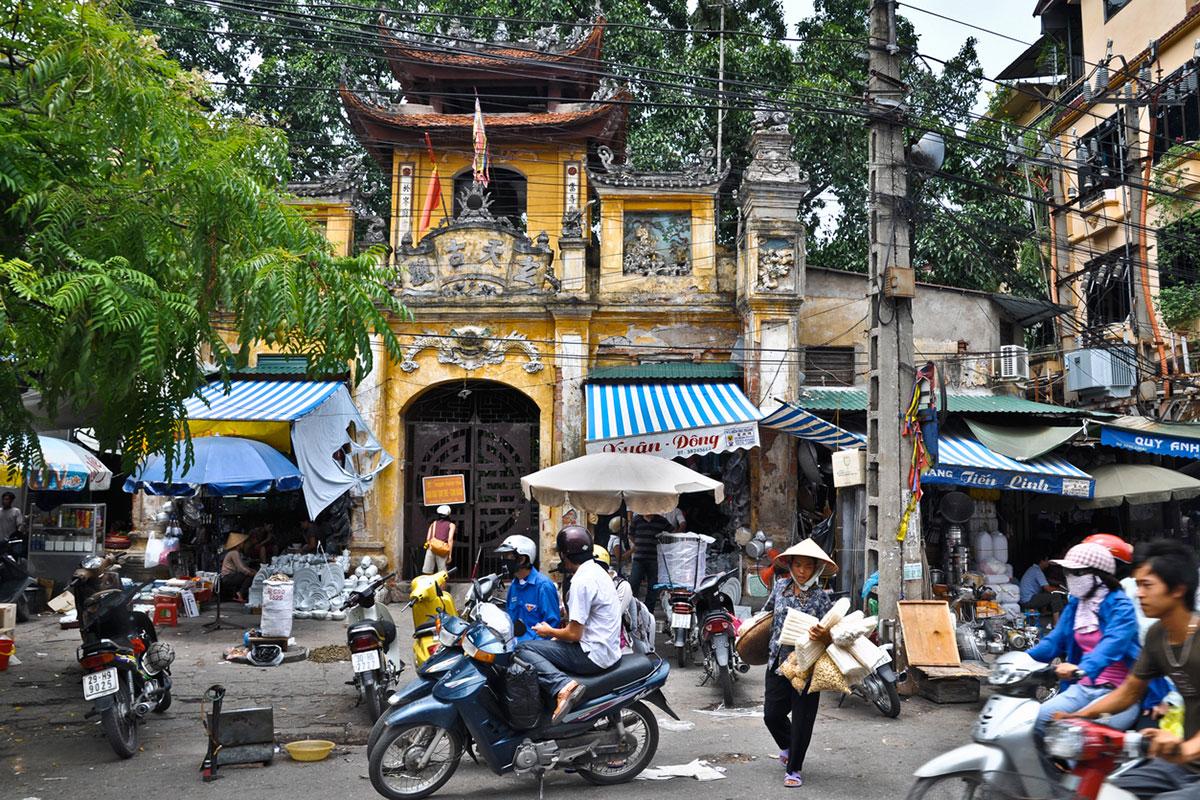 Lý giải thói tọc mạnh, ưa kèn cựa của người Việt