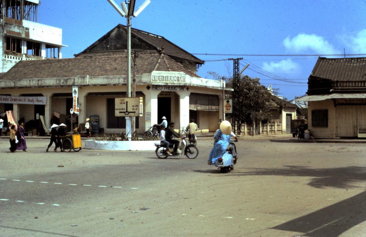 Phố biển Nha Trang năm 1967 qua ảnh của Jack McCabe