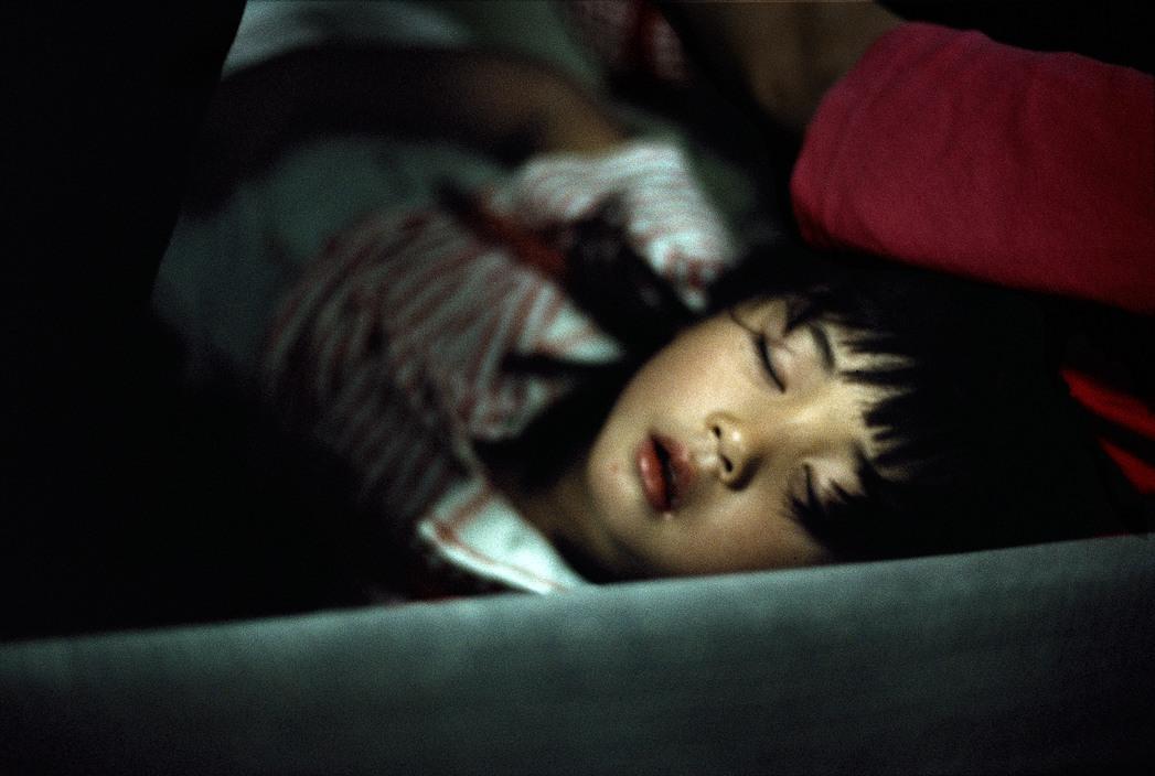 Chùm ảnh: Cuộc sống ở Tokyo năm 1996 qua ống kính Harry Gruyaert