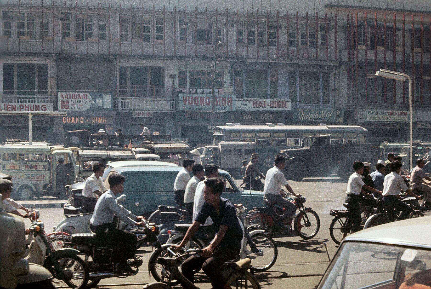 Sài Gòn 1969-1970 trong ảnh của một sĩ quan tâm lý chiến Mỹ