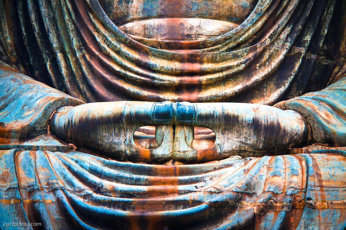 Sự khác nhau giữa Phật Thích Ca và Phật A Di Đà trong Phật giáo