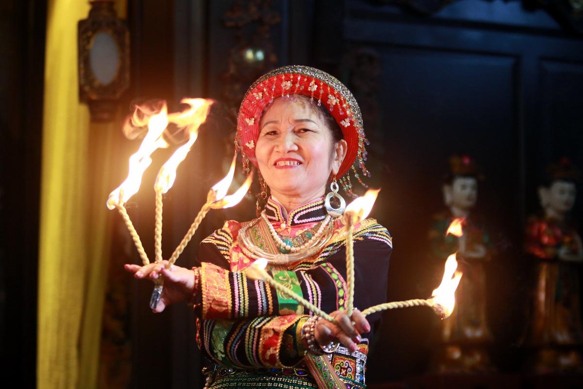 Nguồn gốc nghi thức lên đồng: Từ thế giới đến Việt Nam