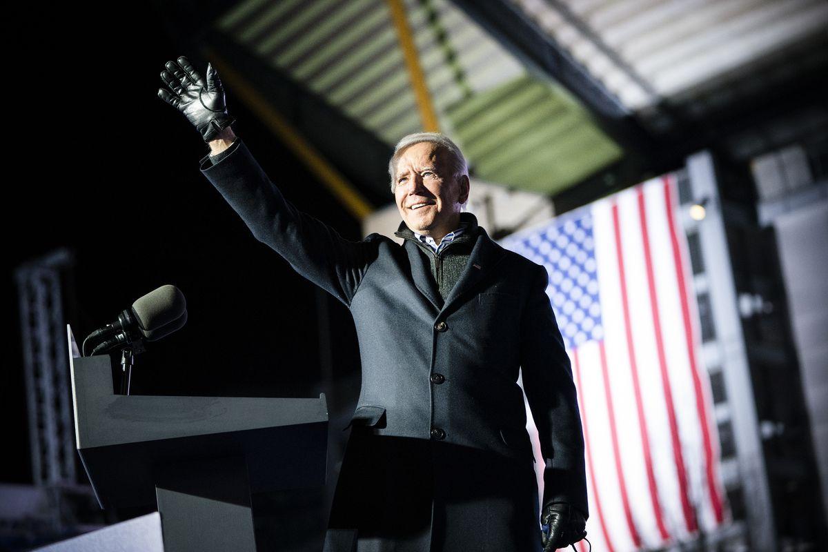 Tân Tổng thống Mỹ Joe Biden: Bi kịch gia đình đến và sự nghiệp chính trị thăng trầm
