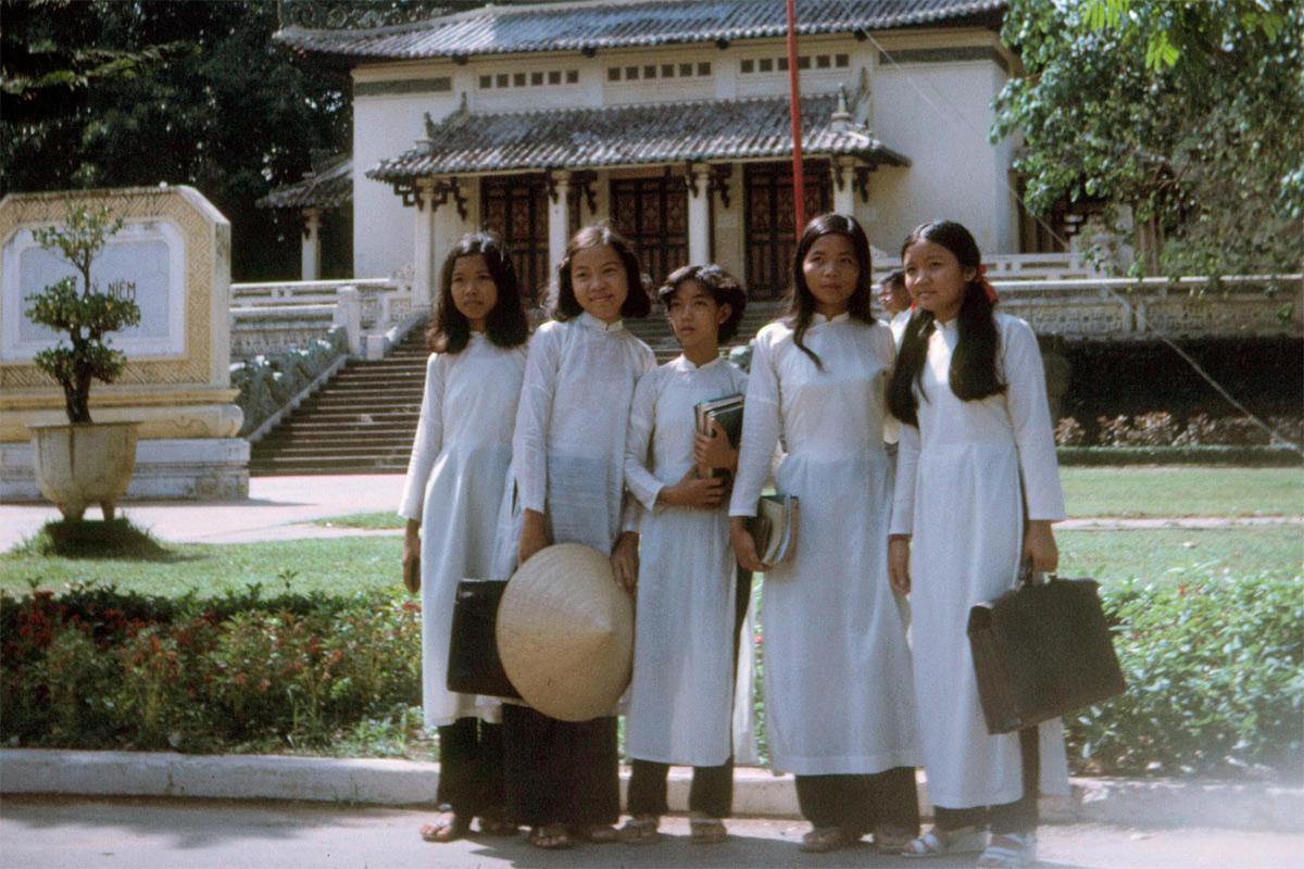 Chùm ảnh: Sài Gòn nă 1972 qua ống kính Dick Leonhardt