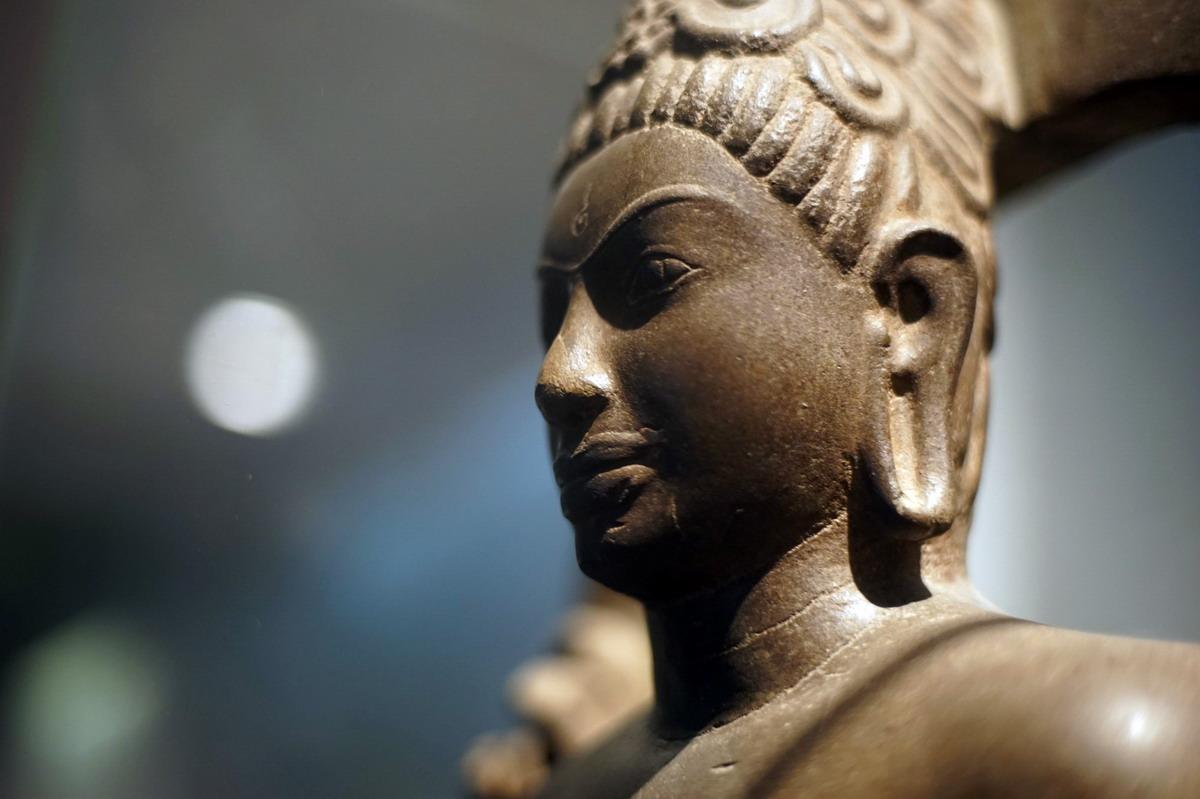Chùm ảnh: Tượng Bồ tát 1.300 tuổi hình nam giới lực lưỡng ở Trà Vinh