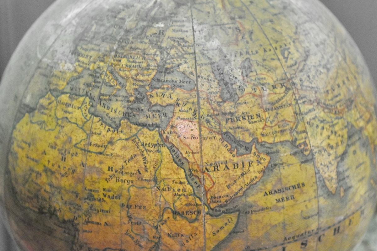 Chủ nghĩa dân tộc và vấn đề quan hệ giữa các dân tộc trong thế giới hiện đại