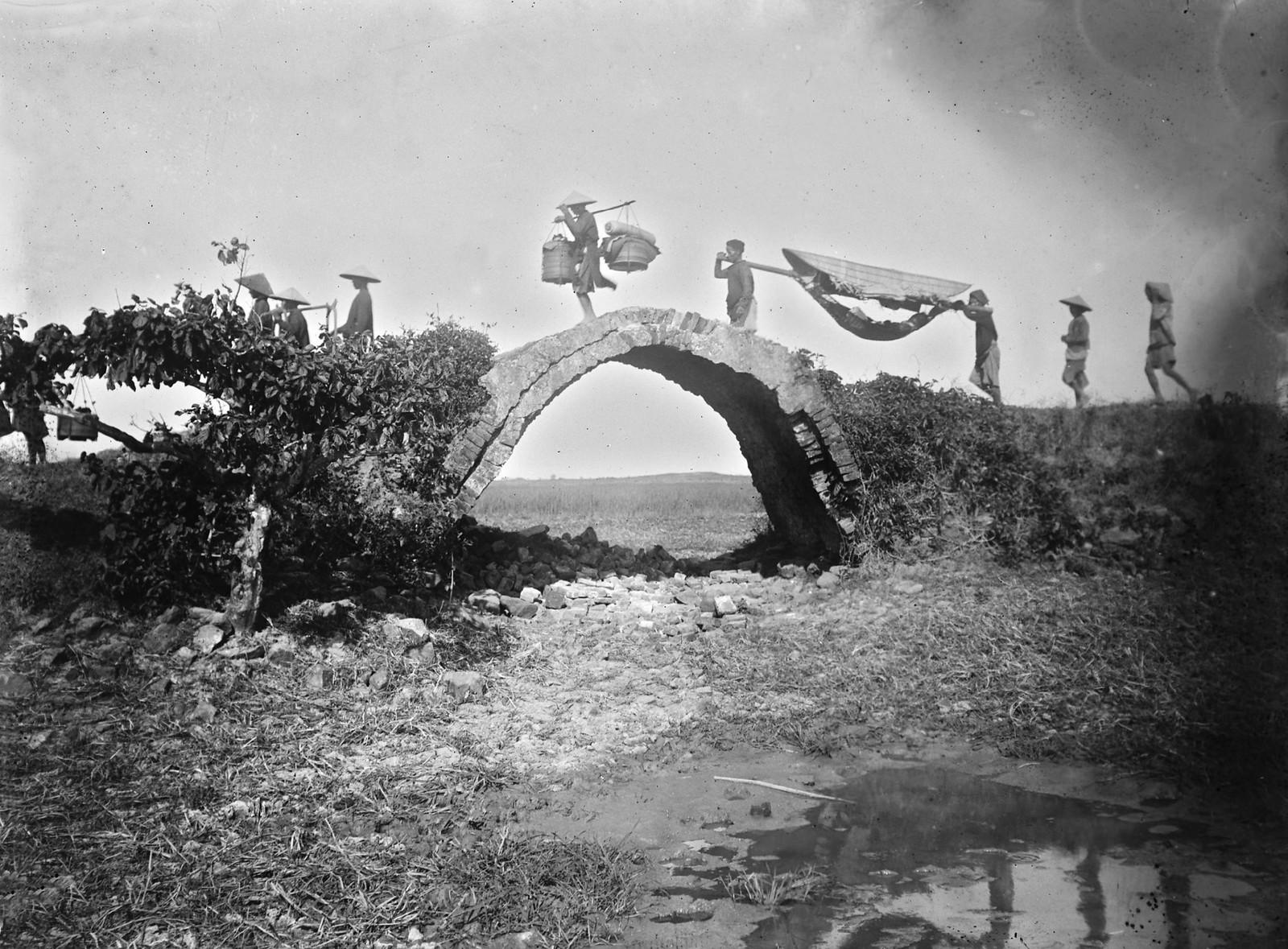 Chùm ảnh: Hành trình trên đường Cái quan năm 1898 của André Salles