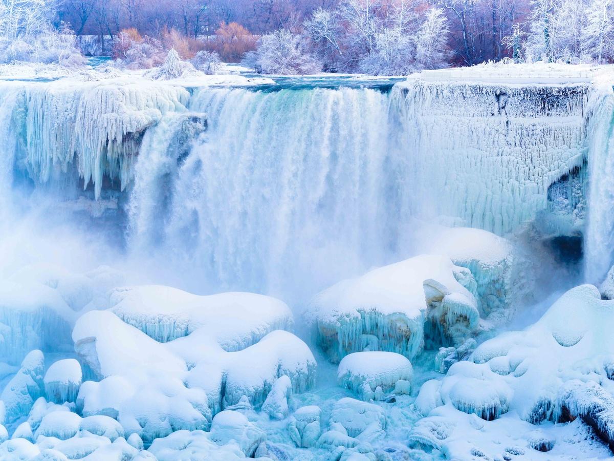 Chùm ảnh: Mùa đông băng giá ở thác nước Niagara