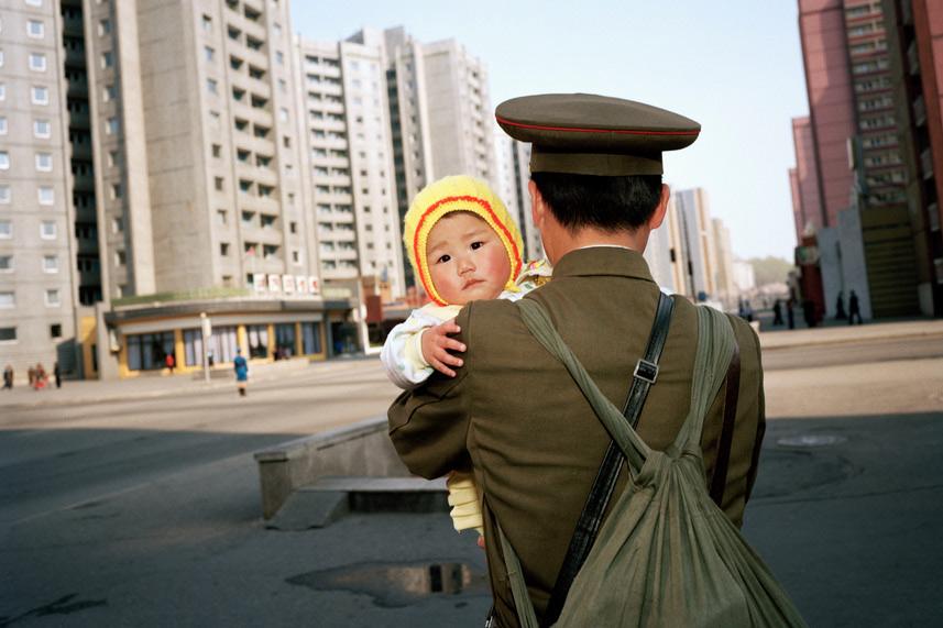 Chùm ảnh: Bình Nhưỡng năm 1997 qua ống kính Martin Parr