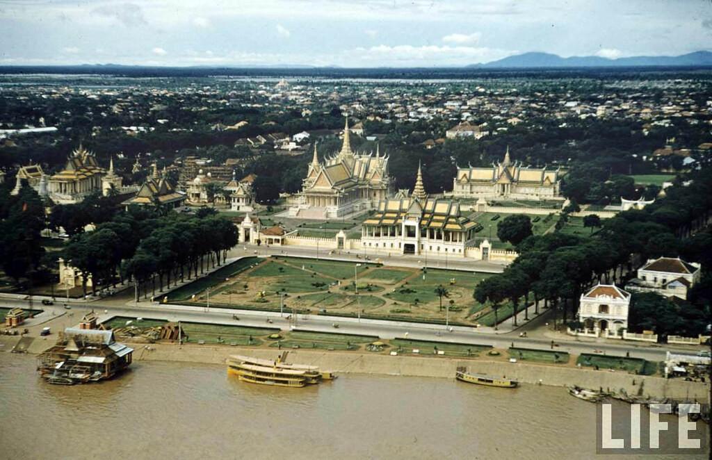 Campuchia năm 1957 qua ống kính của John Dominis