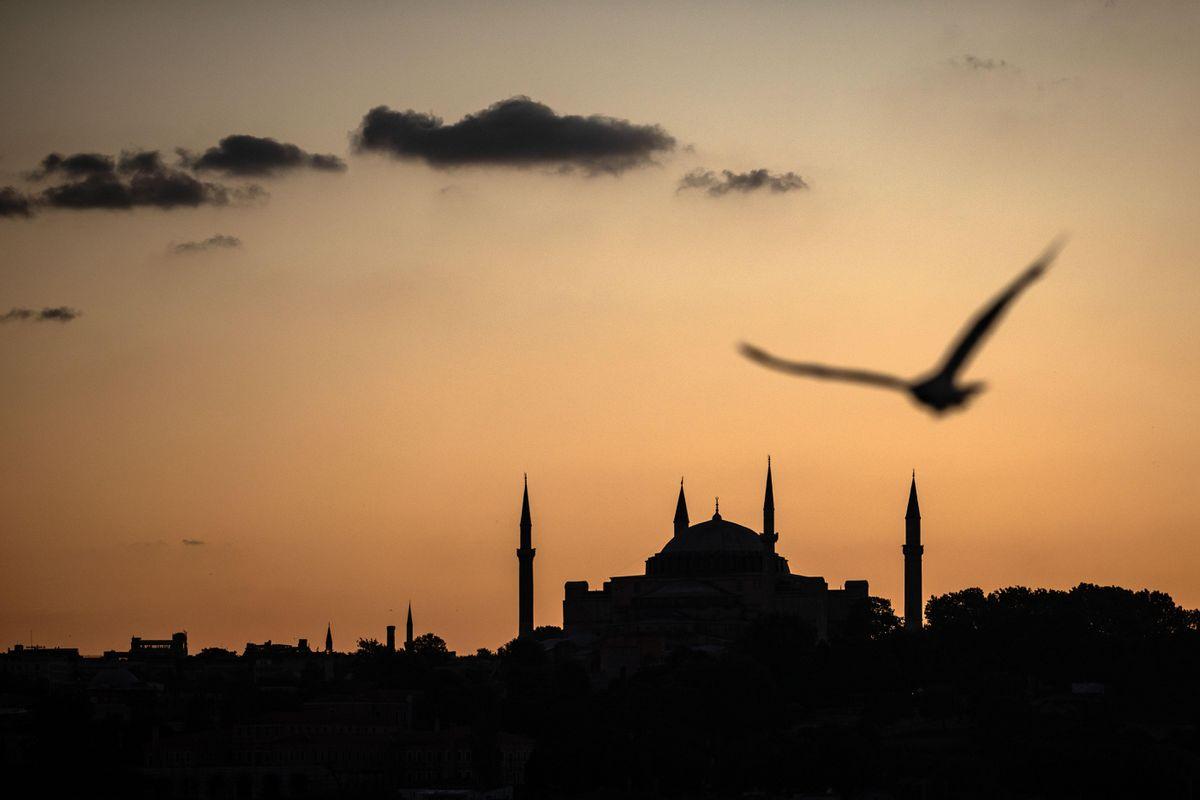 Bàn về tôn giáo, chính trị và xung đột quốc tế
