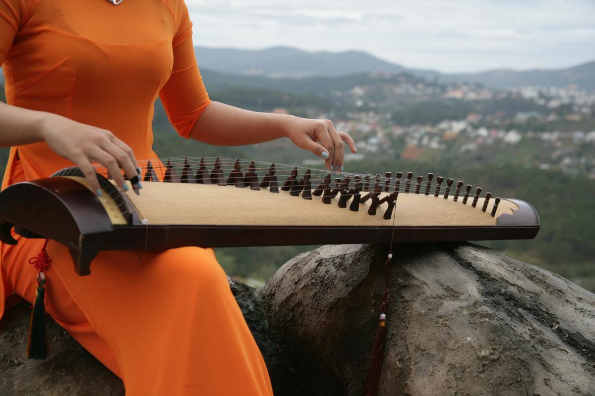 Tìm hiểu thú thưởng thức âm nhạc của người xưa qua truyện Kiều