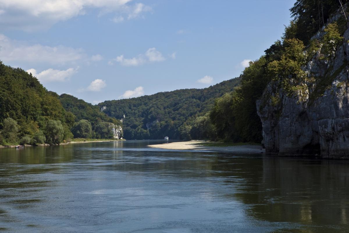 Bảo vệ nguồn nước sông bằng 'bàn tay sắt': Chuyện từ nước Đức