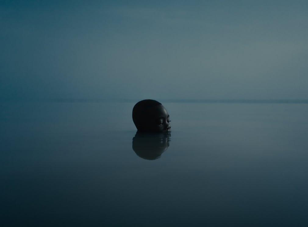 Chùm ảnh: Những bí mật trong bóng tối của hồ Volta, Ghana