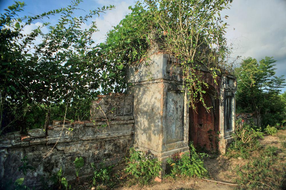 Chùm ảnh: Cung điện hoang phế lạnh người của vua Gia Long ở Huế