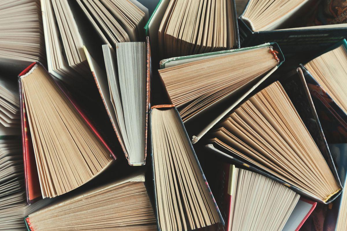 Tại sao ta chúng ta đọc sách văn học?