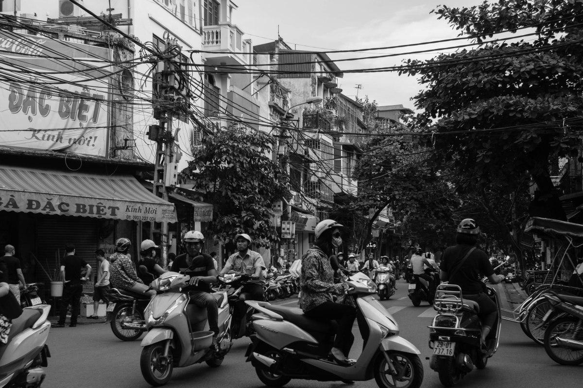 Về sự hỗn loạn giá trị ở Việt Nam ngày nay