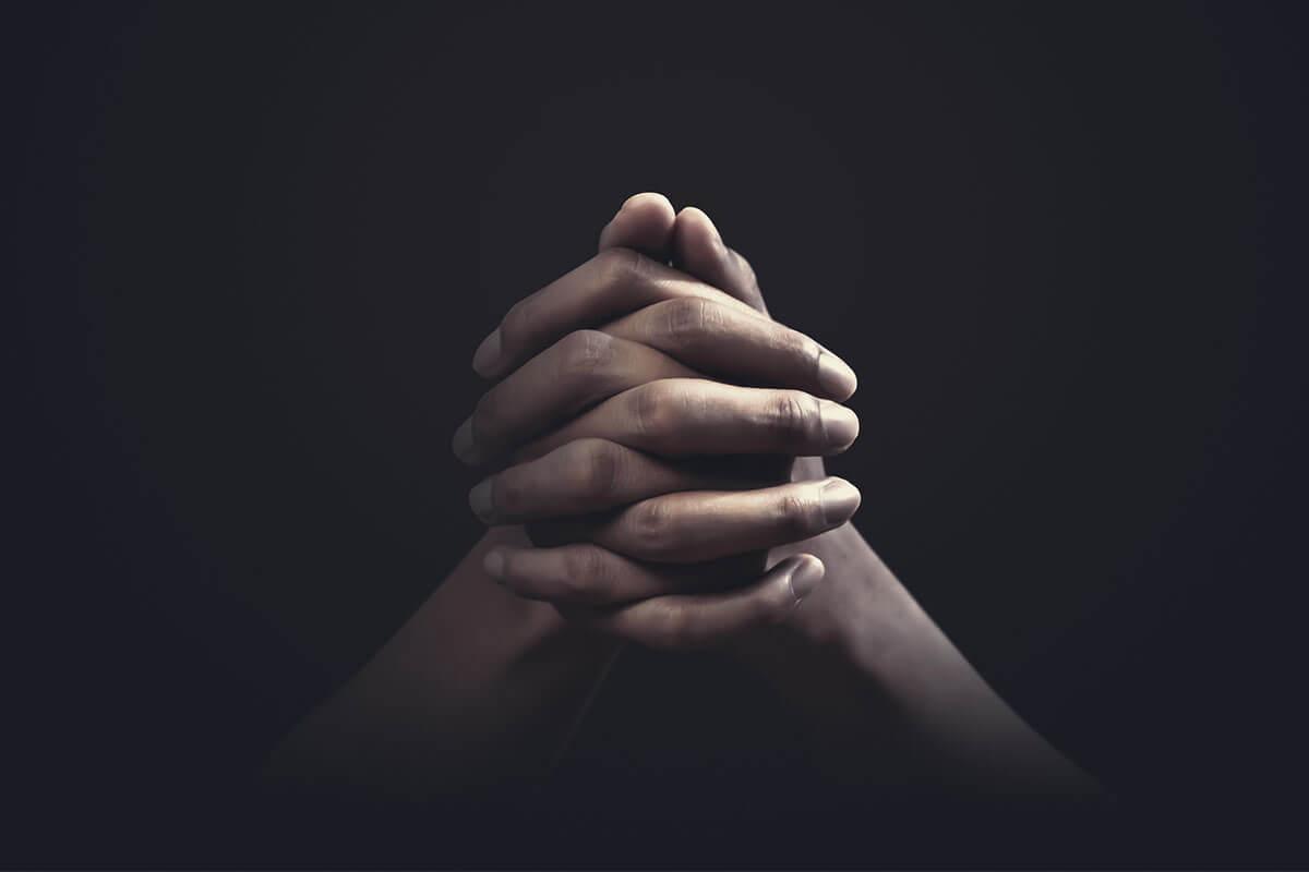 Xã hội càng mông muội, con người càng tin vào thần thánh
