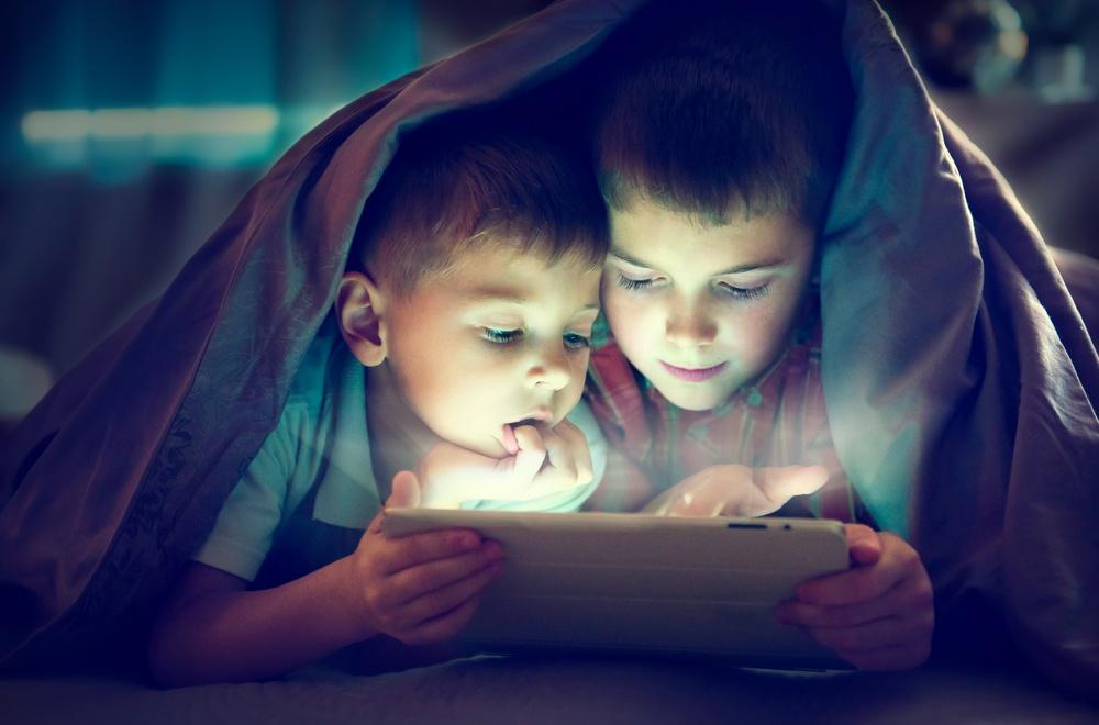7 hành vi của cha mẹ khiến não bộ của trẻ chậm phát triển