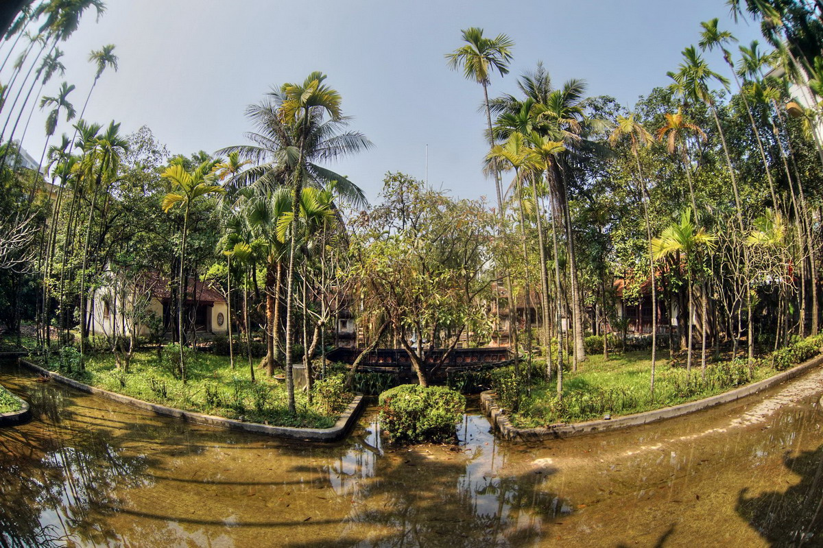 Chùm ảnh: Ngôi chùa xây trên pháp trường giữa trung tâm Hà Nội