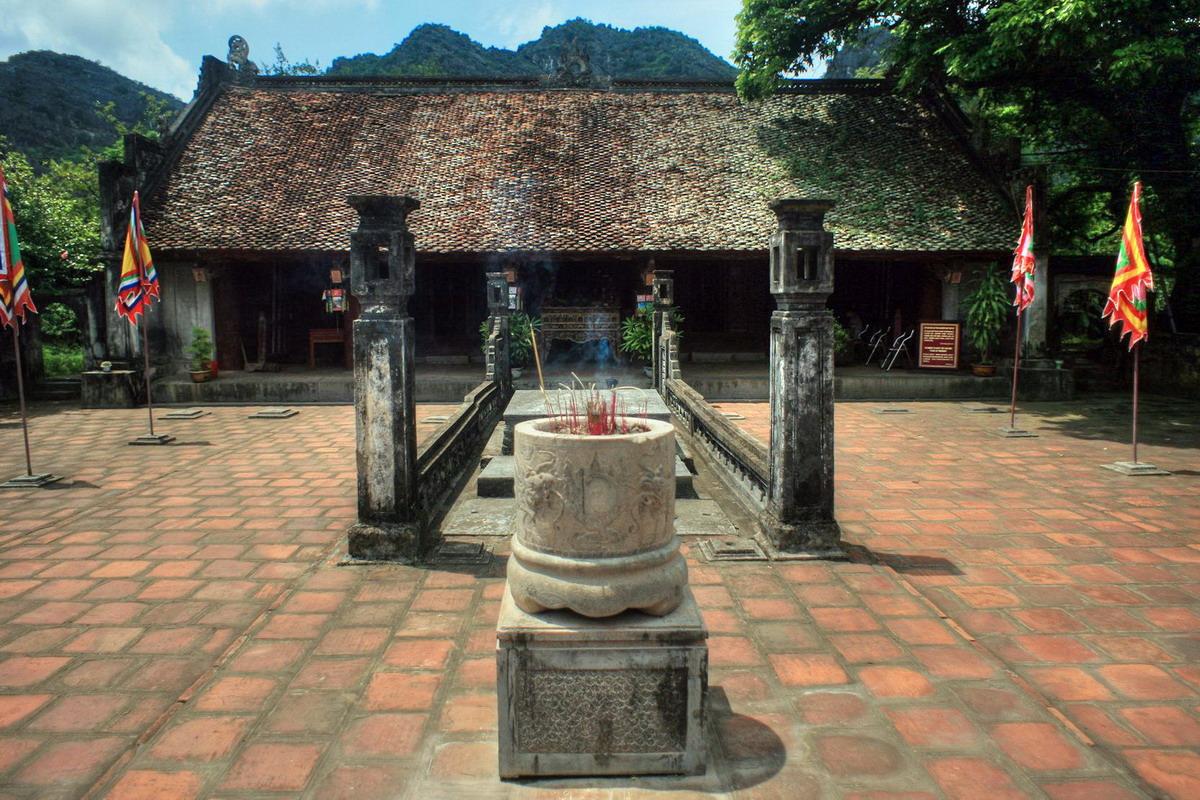 Chùm ảnh: Điều kỳ vĩ được chôn giấu dưới đền thờ vua Lê Đại Hành