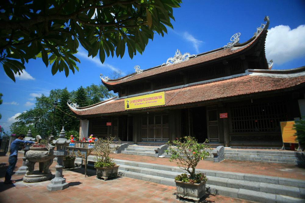 Chùm ảnh: Thăm đền thờ Hoàng đế Quang Trung ở xứ Nghệ