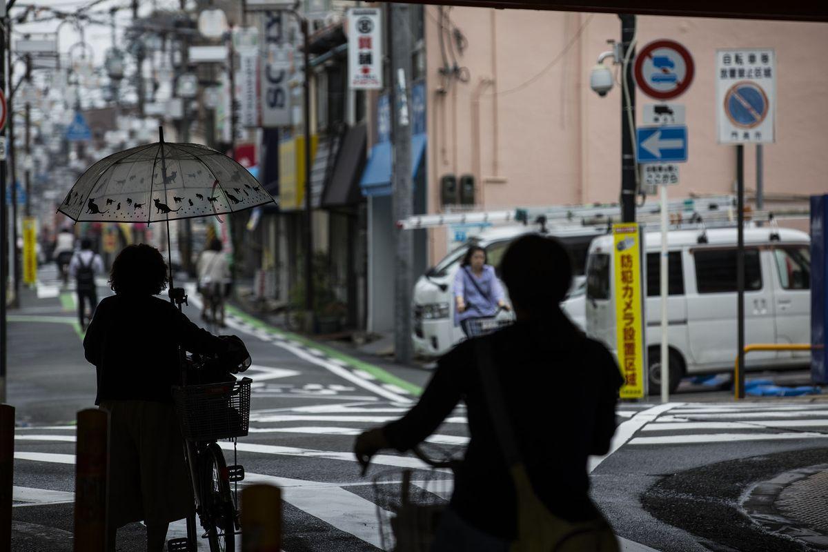 Bi kịch của những bà mẹ đơn thân Nhật Bản trong đại dịch COVID-19