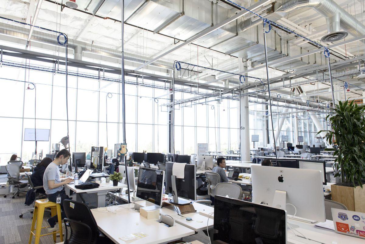 10 tật xấu nơi công sở bạn cần loại bỏ càng sớm càng tốt