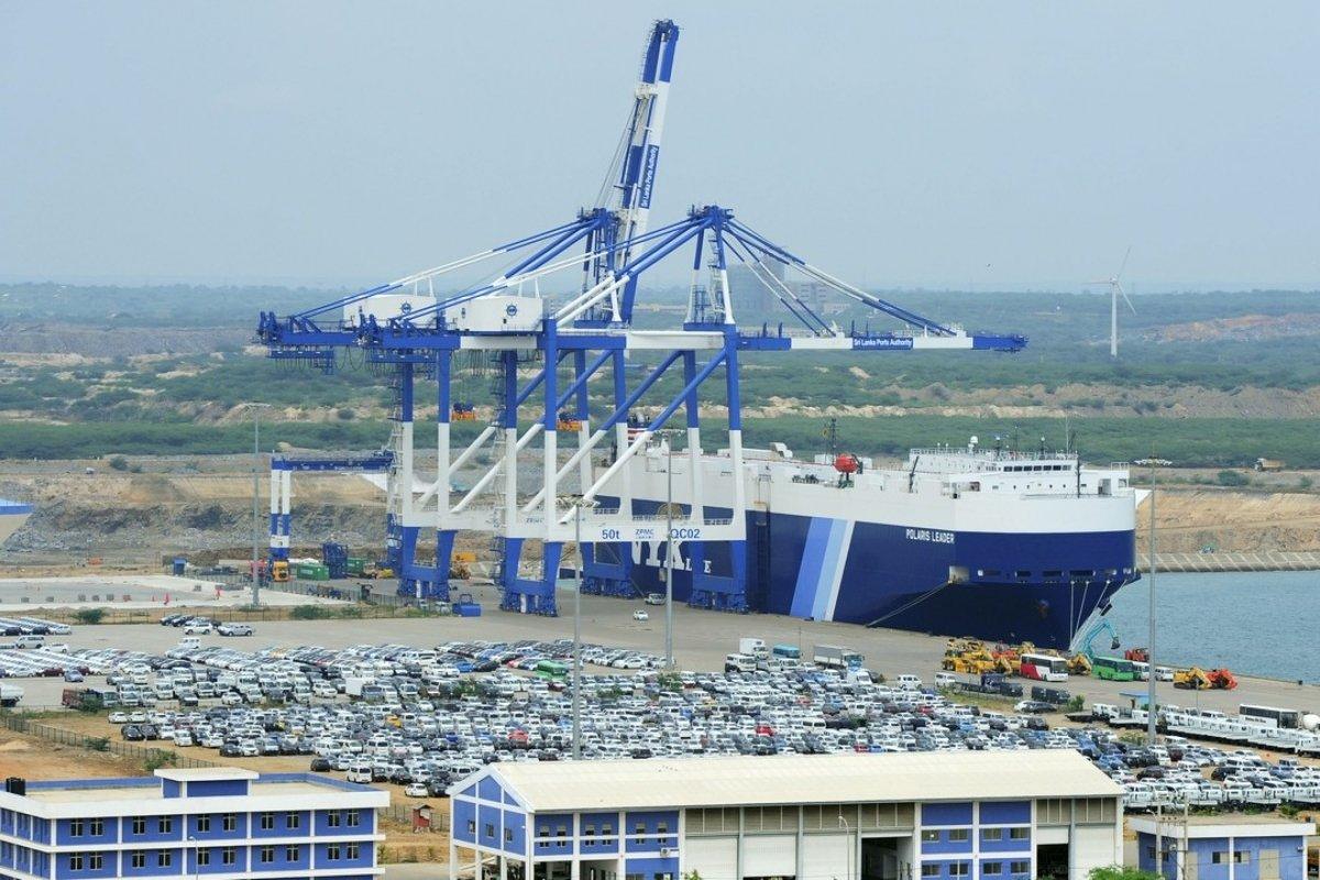Trung Quốc thâu tóm cảng biển chiến lược của Sri Lanka như thế nào?