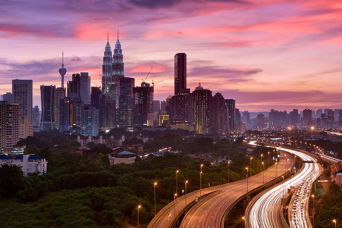 Các nước Đông Nam Á đang mắc kẹt giữa hai siêu cường như thế nào?