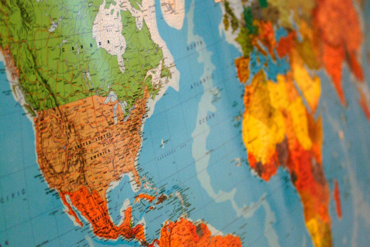 Yếu tố đạo đức trong quan hệ quốc tế hiện nay: Lý luận và thực tiễn