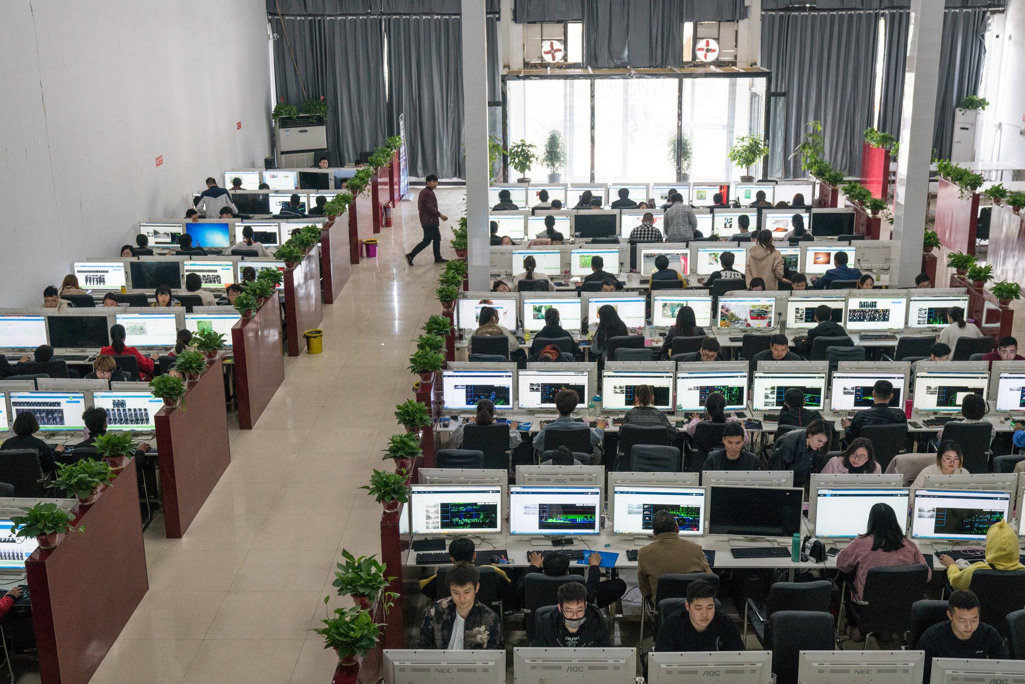 Nhận diện tầng lớp công nhân dữ liệu trong thời đại trí tuệ nhân tạo
