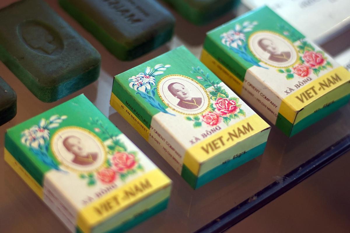 Chùm ảnh: Những cục xà bông Cô Ba huyền thoại Sài Gòn trước 1975