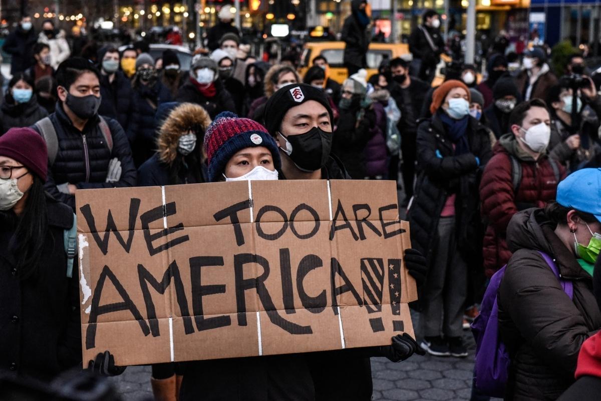 Điều nghịch lý về căn nguyên của sự kỳ thị người gốc Á ở Mỹ