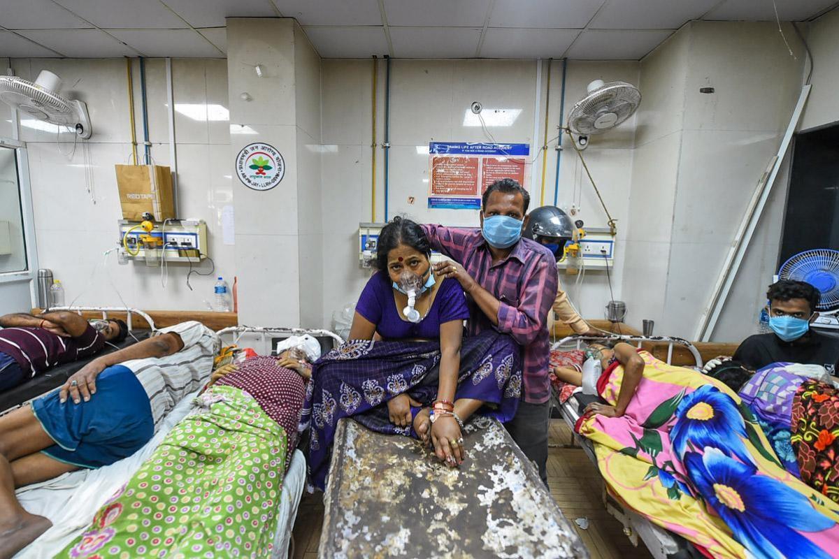 Thành trì nào sẽ giúp Việt Nam không 'vỡ trận' y tế như Ấn Độ?
