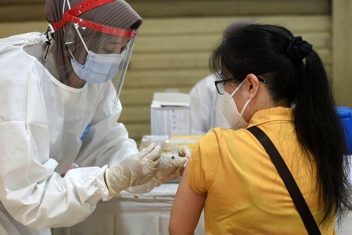 Vì sao Việt Nam tiêm vắc xin chống COVID-19 chậm hơn các nước khác?
