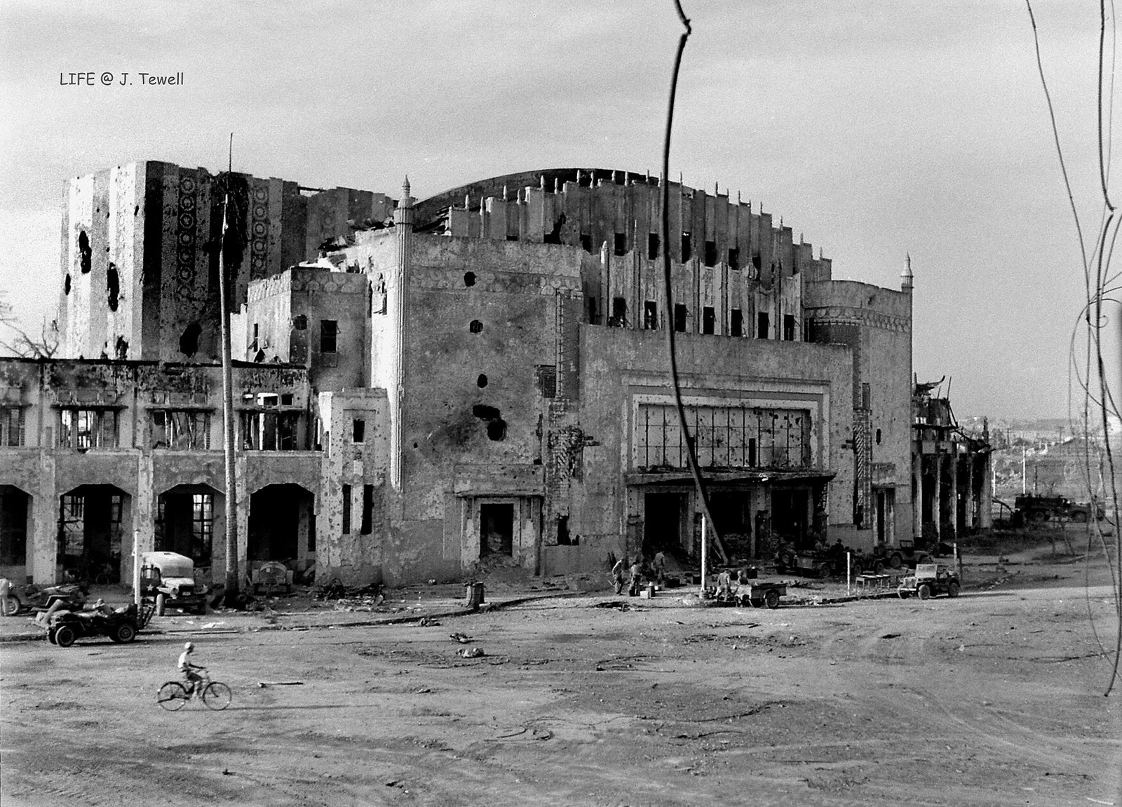 Chùm ảnh: Thành phố Manila trước và sau Thế chiến II