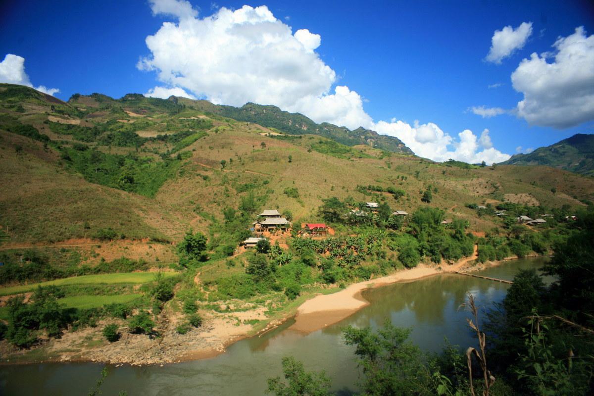 Chùm ảnh: 'Sông Mã xa rồi Tây Tiến ơi. Nhớ về rừng núi, nhớ chơi vơi…'