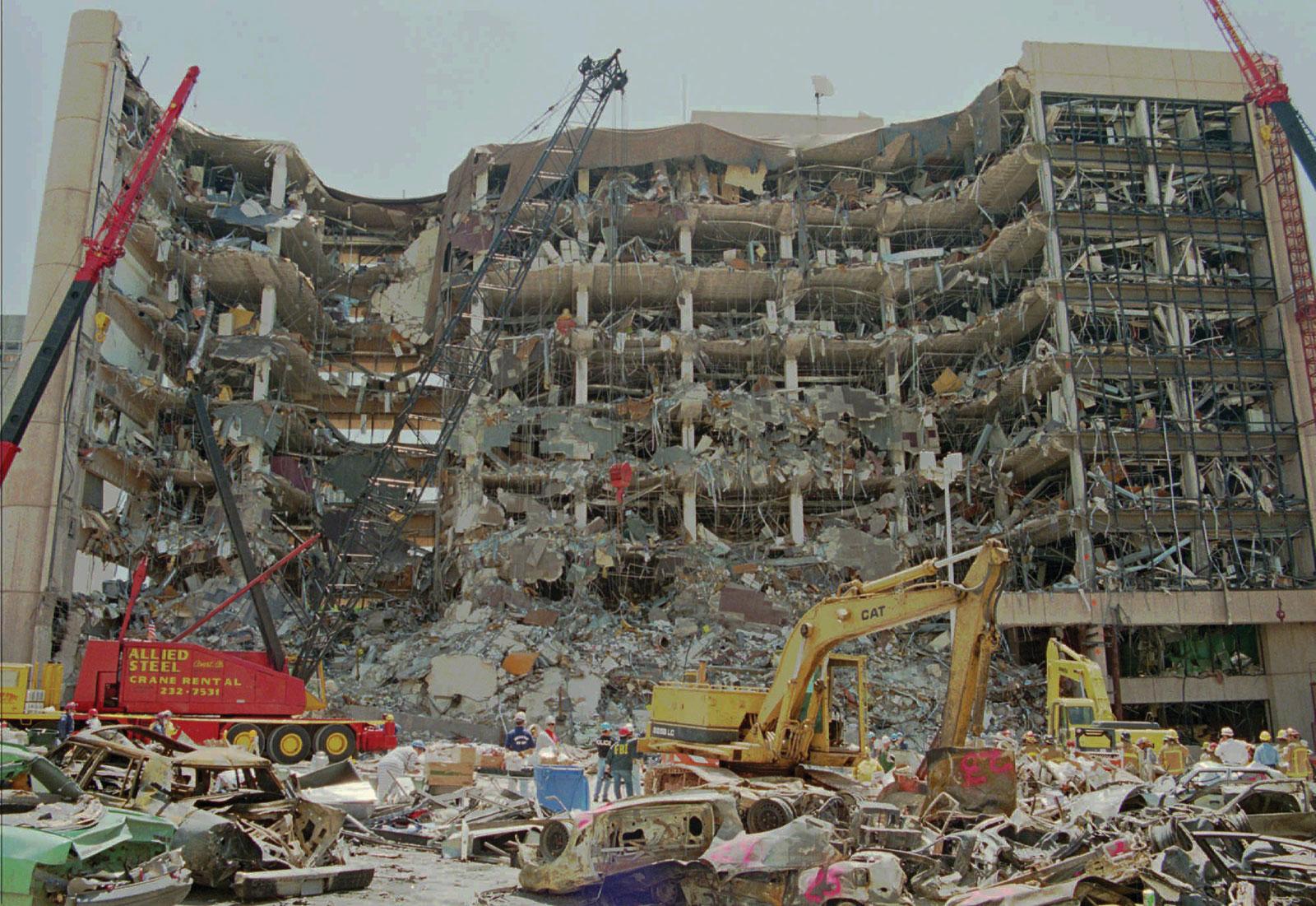 Toàn cảnh vụ đánh bom thành phố Oklahoma năm 1995